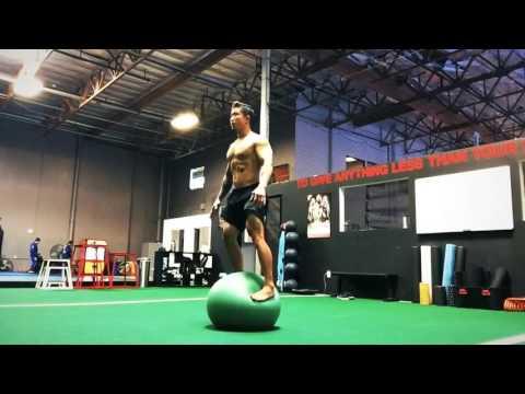 Nghia Pham balance and stability training - YouTube