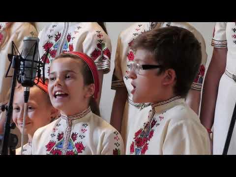 """Junior choir of """"Bodra pesen"""" choirShume"""