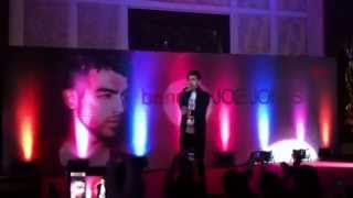 "Joe Jonas sings ""Love Slayer"" at the Bench Presscon"