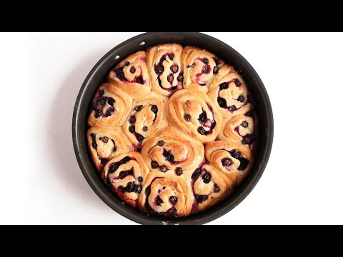 Lemon Blueberry Rolls Recipe – Laura Vitale – Laura in the Kitchen Episode 927