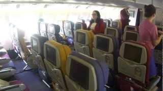 Inside Thai Airways Boeing 777-300 (flight Bangkok - Guangzhou)