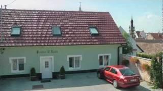 preview picture of video 'Ubytování a vinný sklep U Radů, Hustopeče'