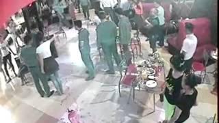 Момент драки в кафе «Улыбка»