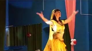Танцует Ирина  Звягина