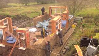 Straw bale build in timelapse