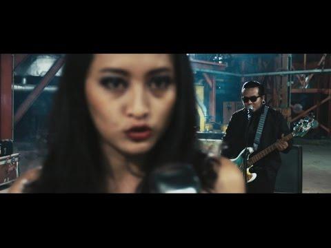 Endank soekamti feat  naif   benci untuk mencinta  official music video