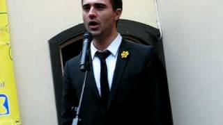 Darius Campbell singing Nessun Dorma for the Marie Curie charity