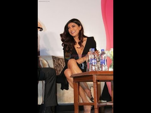 Sushmita Sen Wardrobe Malfunction At I Am Women Award 2018 || Sushmita Sen Latest Video.