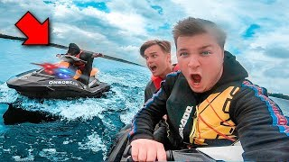 ESCAPING ON JET SKI! 🚔 Adventure To Abandoned Tree House (24 Hour Challenge)
