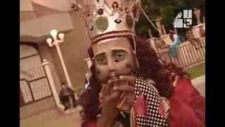 Danza tradicional Moros y Cristianos (2004)