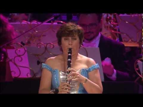 אנדרה ריו מציג: ביצוע מיוחד להבה נגילה
