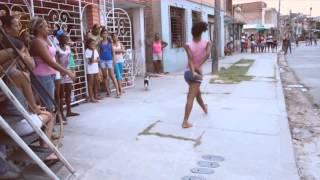 Niñas Bailando El Baile Exotico de Robin Khalee