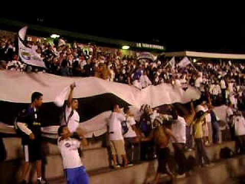 """""""Se viene la banda del albo"""" Barra: Vltra Svr • Club: Comunicaciones"""
