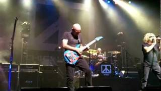 Chickenfoot - Three And A Half Letters @ Paris Olympia