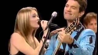 Leann Rimes Chris Isaak Devil in disguise Vido