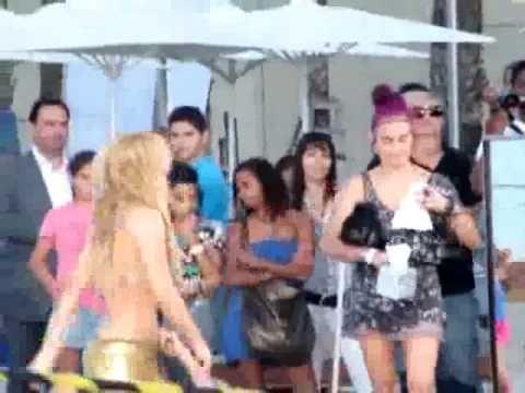 Shakira - Loca - Grabacion del video 2010 HD