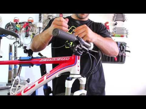 Horquilla Rock Shox: Instalar cable y funda del bloqueo de la horquilla