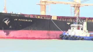 preview picture of video 'Cargo Ship (JK Monowara) at songkhla Port'