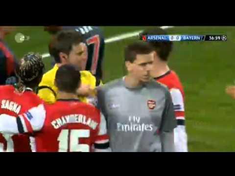 Szczęsny stupid ( Red Card ) Foul on Arjen Roben ~ Arsenal vs FC Bayern München