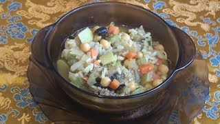 Кичри с нутом, рисом и овощами.