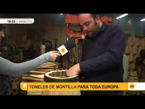 En Montilla, Córdoba, fabrican artesanalmente toneles de vino