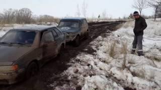 Нива и четырка в грязи. NIVA 21213 vs VAZ 2114