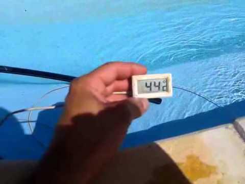 Económica forma de calentar la piscina. ;)