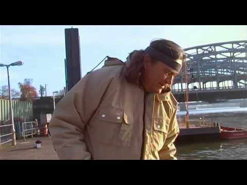 Zander- Angeln im Hamburger Hafen mit Auwa Thiemann und Jörg Strehlow. - Offizieller Auwa-Kanal.