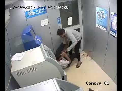 Индиец пытался ограбить банк с молотком в руках
