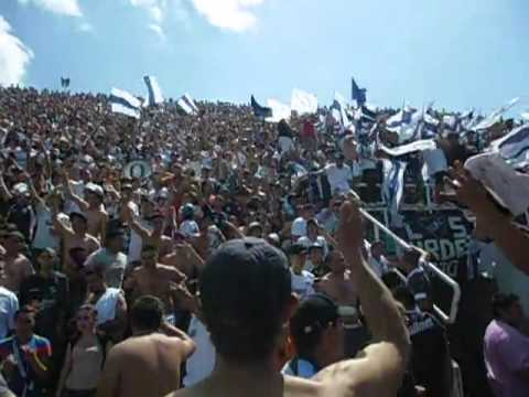 """Vengo de un barrio cervecero"" Barra: Indios Kilmes • Club: Quilmes"