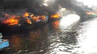 Sejumlah Kapal Terbakar di Pelabuhan Muara Baru, Dua Perempuan Dilarikan ke Rumah Sakit