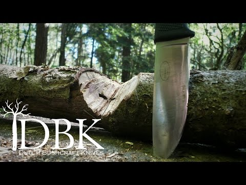 Bushcraft VS Survival knife