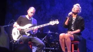 Emeli Sande - Suitcase (Live in Houston)