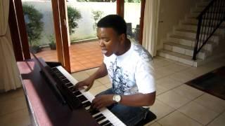 Loyiso Bala Sings the SA National Anthem