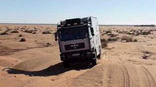 MAN 4x4 off road camper in Sahara 2