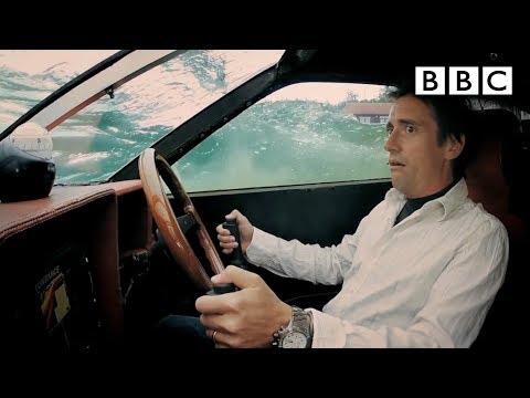 James Bond Style Submarine Lotus Drives Underwater