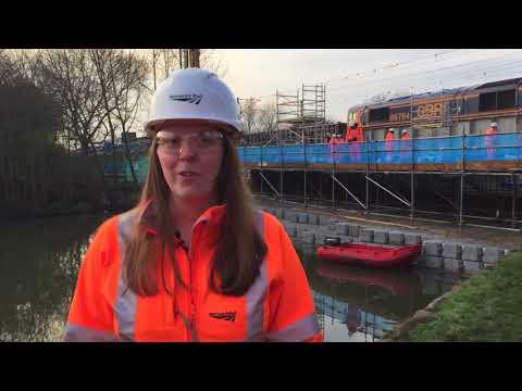New railway bridge installed in Tottenham