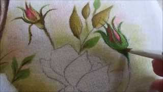 Pintura de botão de rosa em tecido