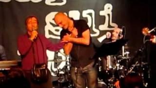 Marta sui Tubi e Lucio Dalla - L'anno che verrà - Bologna Teatro del Navile 23/01/12