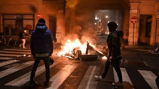 video: Protesters in cities across Italy clash with police over anti-Covid measures