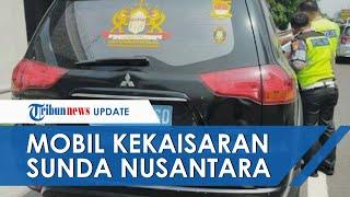 Penampakan Mobil Pajero Kekaisaran Sunda Nusantara, Pelat Nomor Tampak Tak Lazim Warna Biru