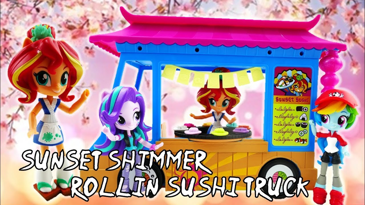 Starlight Glimmer and Rainbow Dash Eat at Sunset Shimmer Rollin' Sushi Truck Toy MLP Playset