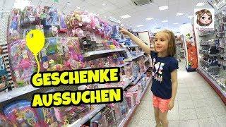 GESCHENKE AUSSUCHEN 🎁 Hannah Befüllt Ihr Geburtstags Körbchen Bei Rossmann