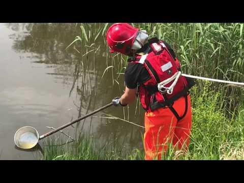 Wideo1: Rozlane chemikalia opryskowe w Glince