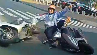 Scooter Riders Fails , Driving in Asia 2017 Pert 2