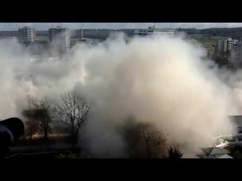 La ville de Meaux détruit deux barres d'immeubles