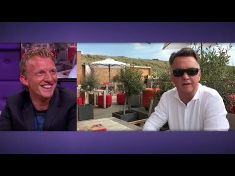 Oud-collega's bedanken Dirk Kuyt voor mooie jaren - RTL LATE NIGHT