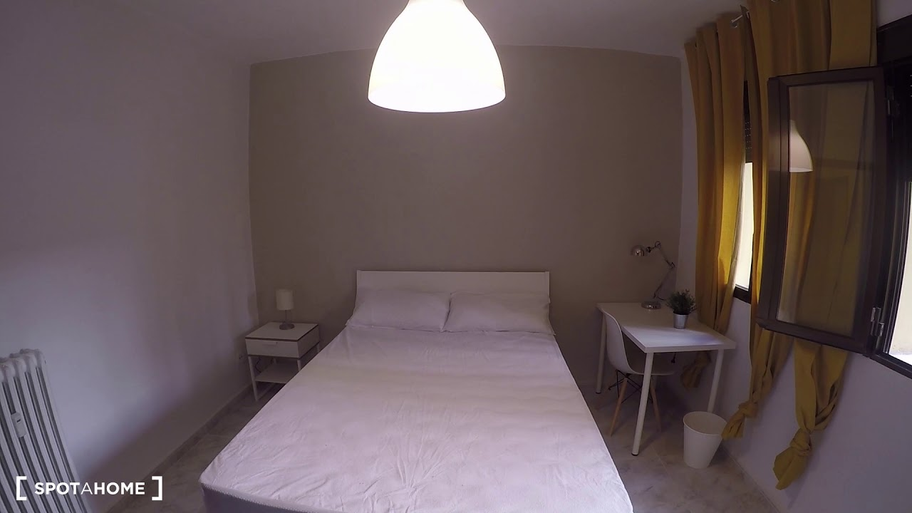 Rooms for rent in cosy 5-bedroom apartment in Tetuán