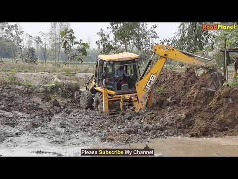JCB stuck in mud cat 424b vs mud amazing jcb backhoi driving