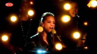 Alicia Keys - Doesn't Mean Anything (live)